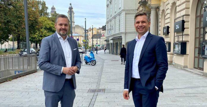 Trafen sich am Freitag in Linz: ÖVP-Generalsekretär Axel Melchior (l.) und OÖVP-Landesgeschäftsführer Wolfgang Hattmannsdorfer.