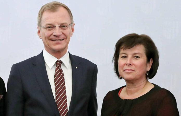 Landeshauptmann Thomas Stelzer und Soziallandesrätin Birgit Gerstorfer verkündeten gestern den Beschluss der Landesregierung für eine neuerlich verbesserte Novelle der Oö. Alten- und Pflegeheimverordnung.