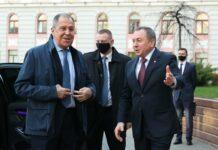 Russlands Außenminister Sergei Lavrov (links) und sein weißrussischer Amtskollege Vladimir Makey bei Gesprächen in Minsk.