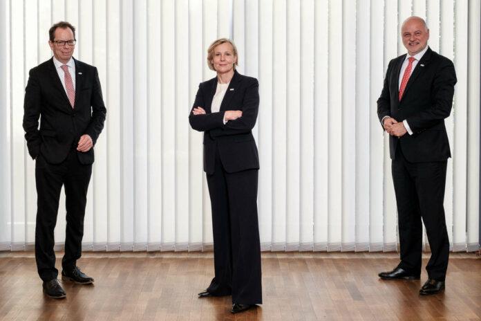 Der künftige VKB-Vorstand: GD Christoph Wurm, die Direktoren Maria Steiner und Alexander Seiler (vor links).