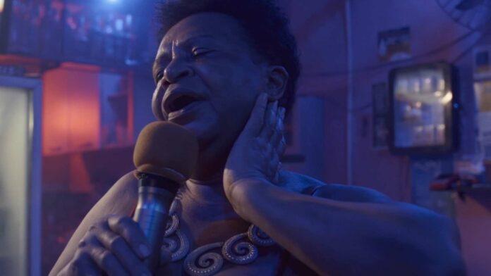 """Eine """"vor Leben sprühende Karaokebar"""" (Jurystatement) in Rio de Janeiro ist im Siegerfilm """"Endless Love"""" von zentraler Bedeutung."""