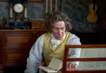 Ludwig van Beethoven (Tobias Moretti) ist mit 57 Jahren fast taub.