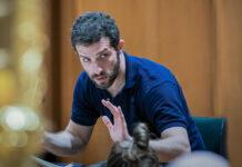 Der israelische Dirigent Omer Meir Wellber