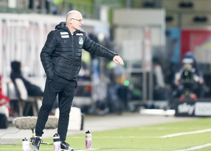 Interimstrainer Gerhard Schweitzer soll die SV Ried wie schon gegen den SK Rapid zum Erfolg führen.