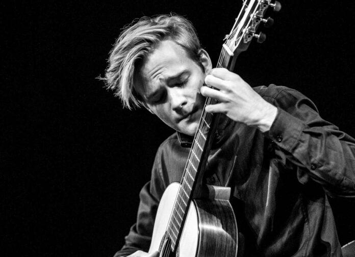 Gitarrist Oliver Jungbauer