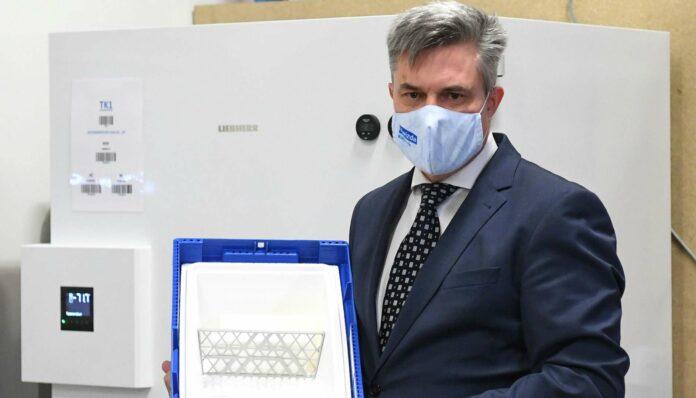 Kwizda-Geschäftsführer Thomas Brosch gib Einblick in die Impfstoff-Logistik.
