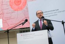 Für Österreichs Außenminister Alexander Schallenberg hat der Atomwaffenverbotsvertrag einen historischen Charakter.