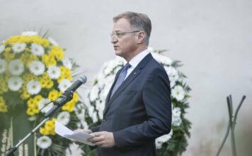 LH Thomas Stelzer bei der Gedenkfeier 2020 in Schloss Hartheim.