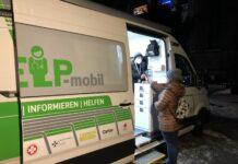 Zehn bis 20 Obdachlose lassen sich derzeit pro Help-Mobil-Einsatz ihre Beschwerden abklären.