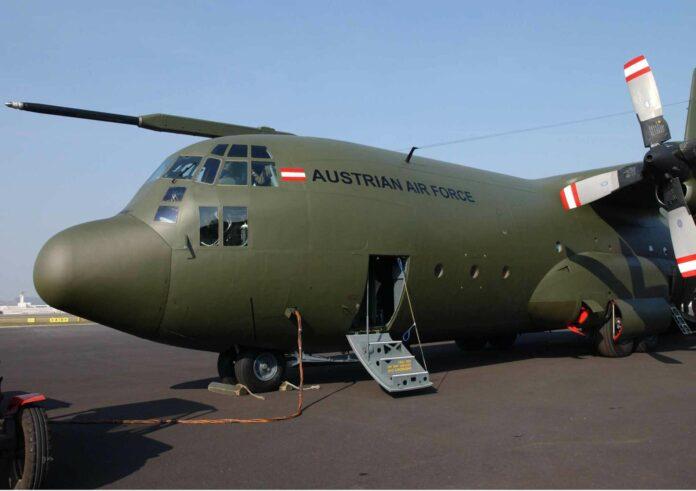Spätestens im Jahr 2030 müssen die Hercules-Transportmaschinen ausgemustert werden, womit Nachfolgeflugzeuge ab dem Jahr 2028 zulaufen müssten. Eine Arbeitsgruppe soll die Beschaffungsfrage klären.