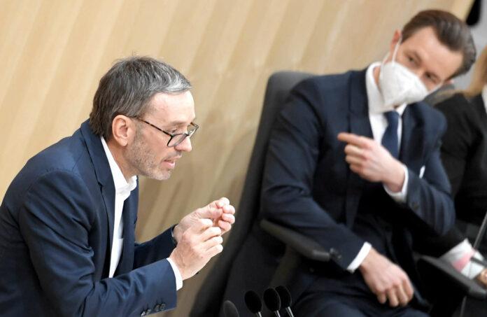 FPÖ-Klubobmann Herbert Kickl schürte gestern Misstrauen gegen Finanzminister Gernot Blümel (ÖVP). Sein Antrag im Rahmen einer Sondersitzung wurde aber abgelehnt.