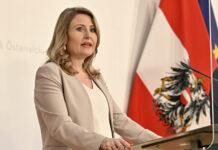 Familienministerin Susanne Raab legte gestern eine neues Paket zur Unterstützung von Familien in Corona-Zeiten mit einem Volumen von 150 Millionen Euro vor. Der Familienhärtefonds wird aufgestockt, zudem gibt es eine Sonder-Familienbeihilfe.