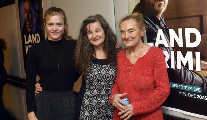 V. l.: Miriam Fussenegger, Maria Hofstätter und Erni Mangold bei der Präsentation von Teil 2 im November 2018