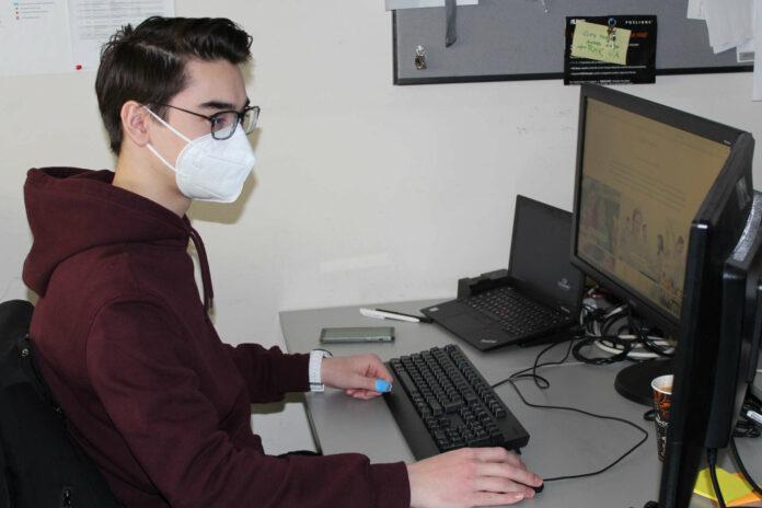 Andreas ist Lehrling für Informationstechnologie mit Schwerpunkt Betriebstechnik bei der Vivatis-Tochter Gourmet.