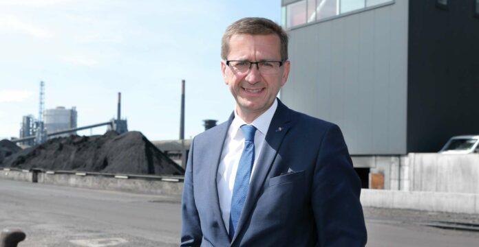 """Wirtschafts-Landesrat Markus Achleitner in der voestalpine in Linz, einem der Partner beim """"Heat Highway""""."""