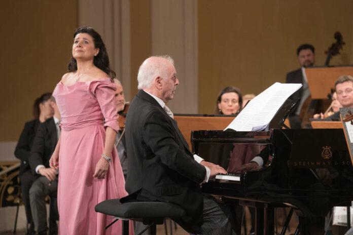 Bereiteten dem Publikum ein Fest: Cecilia Bartoli und die Wiener Philharmoniker unter Daniel Barenboim.