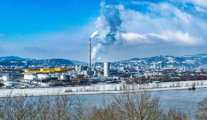 Das Linzer Fernheizwerk läuft derzeit auf Hochbetrieb. Laut Linz AG liegt der Fernwärmebedarf an kalten Tagen wie diesen um 30 Prozent über durchschnittlichen Wintertagen.