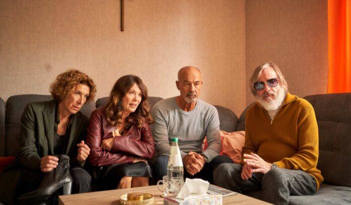 Freunde fürs Leben — und darüber hinaus: Annette (Adele Neuhauser), Ella (Iris Berben), Joachim (Heiner Lauterbach) und Friedrich (Michael Wittenborn)