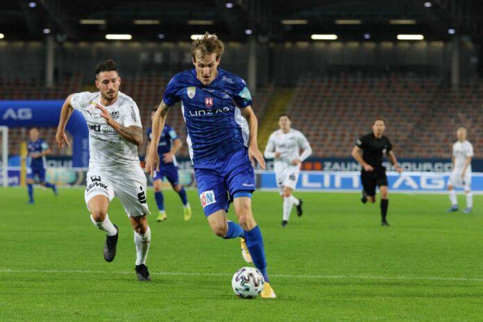 Das erste Saisonduell gegen Amstetten (l. Dirnberger) entschied BW-Goalgetter Schubert mit einem Doppelpack.