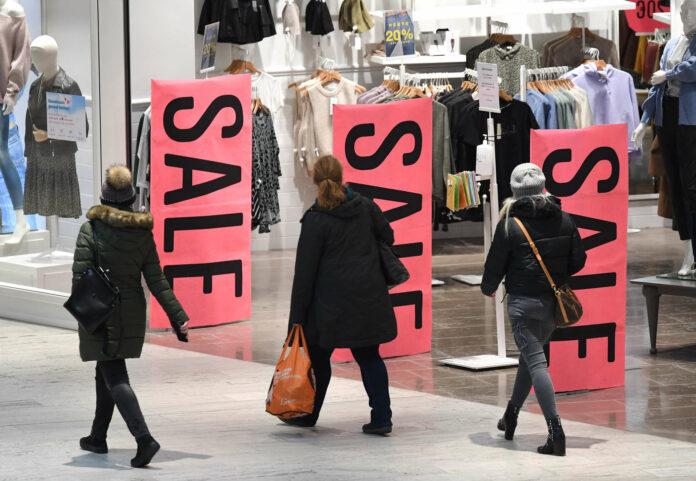 Österreichs Handel will wieder deutlich mehr Kunden in die Geschäfte holen.