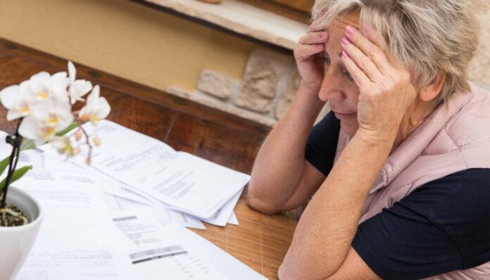 Kurzarbeit und vermehrte Arbeitslosigkeit lassen die Haushaltseinkommen bedenklich schrumpfen.