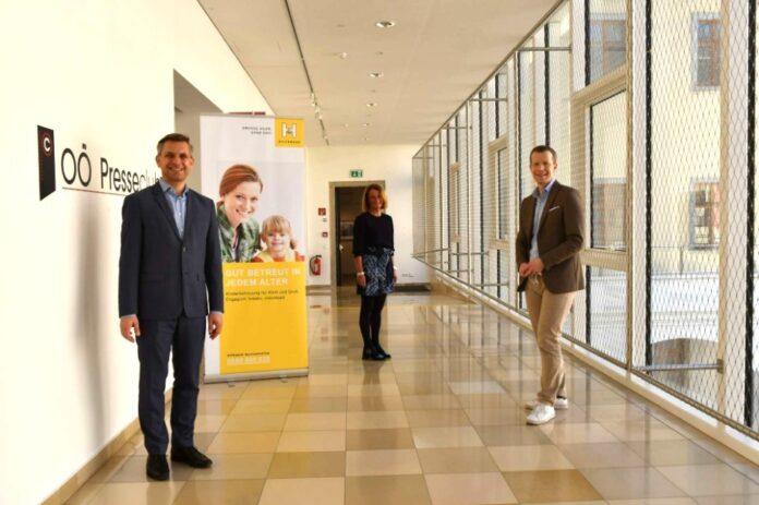 V. l.: Obmann LAbg. Wolfgang Hattmannsdorfer, OÖ Hilfswerk-Geschäftsführerin Viktoria Tischler und IMAS-Chef Paul Eiselsberg
