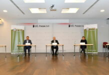 Nach der Enquete (v. l.): Paul Eiselsberg (IMAS), Hilfswerk-Obmann LAbg. Wolfgang Hattsmannsdorfer, Seniorenbund-Chef LH a. D. Josef Pühringer, Architektin Christiane Feuerstein und Paralympicssieger Christoph Etzlstorfer.