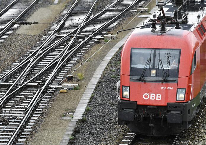 -bb-mit-weniger-passagieren-dank-staatshilfe-noch-positiv