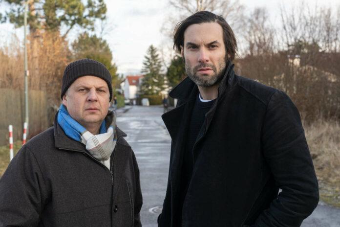 Anton Simhandl (Gerhard Wittmann, l.) und Lukas Laim (Max Simonischek, r.) ermitteln in dem Mordfall.