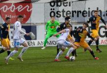 Nach zwei Niederlagen in den ersten beiden Saisonduellen wollen Thomas Goiginger (hier am Ball) und der LASK diesmal ein Vorbeikommen an den Salzburgern finden.