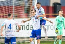 Die Linzer Torschützen Fabian Schubert (l.) und Kristijan Dobras (r.) jubelten über einen 2:0-Sieg in Amstetten.