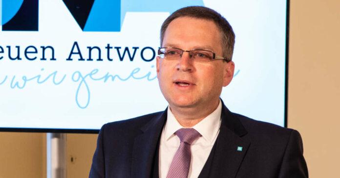 ÖAAB-Chef August Wöginger präsentierte am Freitag den Reformpfad, beim Online-Bundestag am Samstag wird das Ergebnis der Wahl bekannt gegeben, dann startet der Prozess.
