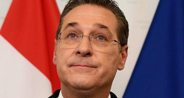 Weinerlicher Ex-FPÖ-Chef Strache bei seiner Rücktrittserklärung im Mai 2019 wegen des Ibiza-Videos.