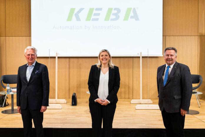 Haben zusammen gefunden: Keba-Chef Gerhard Luftensteiner un die Bürgermeister Sabine Naderer-Jelinek (Leonding) und Peter Mair (Pasching)