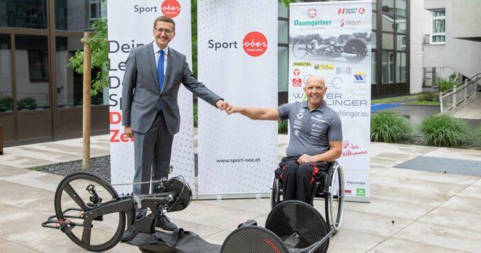 Sport-Landesrat Markus Achleitner (l.) wünschte Walter Ablinger für die Heim-EM viel Erfolg.