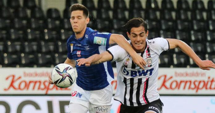 Tabellarisch ließ der FC Blau-Weiß Linz (l./Michael Brandner) alle Konkurrenten hinter sich. Die Juniors OÖ (r./Metehan Altunbas) entwischten aber im OÖ-Derby (1:0).