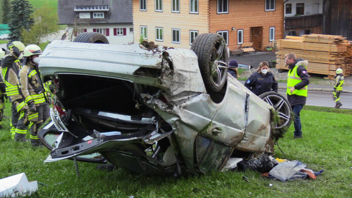 VORARLBERG: 15-JHRIGE BEI AUTOBERSCHLAG IN VORARLBERG GET