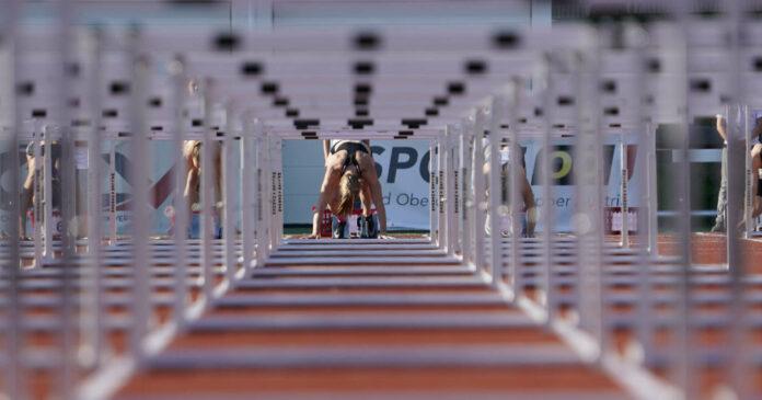 Über 100 Meter Hürden kommt es in Linz zum Duell zwischen Verena Preiner, Karin Strametz und Beate Schrott.