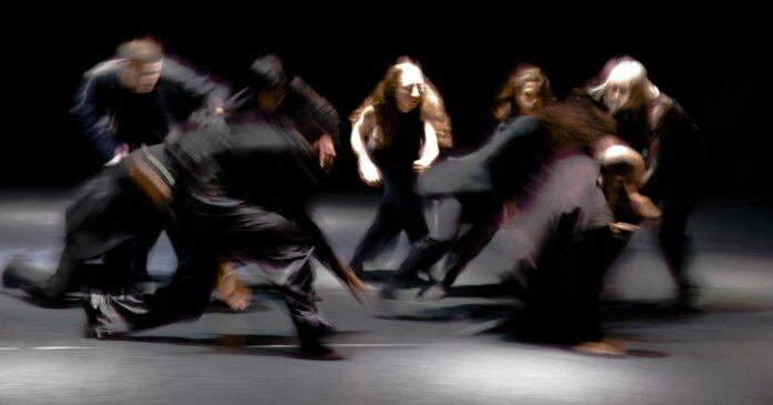 """Jeder glaubt etwas, muss gar nicht religiös sein. Das Tanzstück """"Credo"""" verhandelt Intimes und Persönliches."""