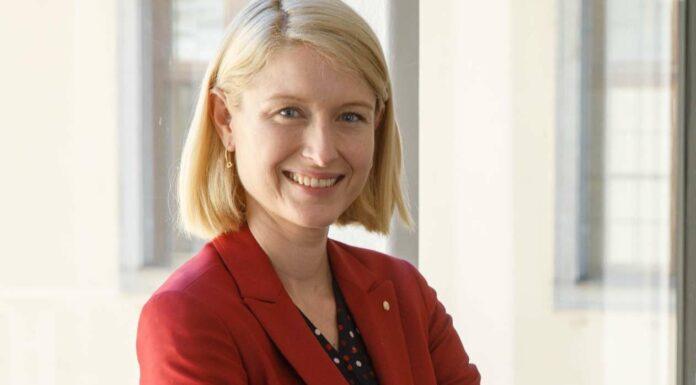 ÖAAB-Landesobfrau LH-Stv. Christine Haberlander fordert jetzt eine dauerhafte finanzielle Entlastung für alle Arbeitnehmer.