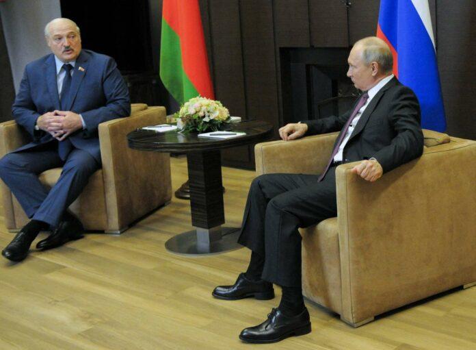 Es ist bereits das dritte Treffen Wladimir Putins und Alexander Lukaschenkos in diesem Jahr. Ein wichtiges Thema für Lukaschenko sind natürlich die Folgen der Sanktionen der EU und der USA.