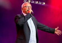 """Konstantin Wecker kommt mit seinem Programm """"Solo zu zweit"""" mit seinem Bühnen-Partner Jo Barnikel am 12. Juni nach Bad Ischl."""