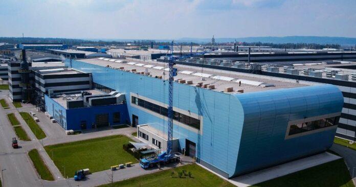 Die AMAG nutzt ihre riesigen Dachflächen.