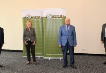 Bei der Präsentation (v. l.): Seniorenbundlandesobmann LH a. D. Josef Pühringer, die Studienautoren Elisabeth Dreer und Friedrich Schneider sowie OÖSB-Landesgeschäftsführer Franz Ebner.