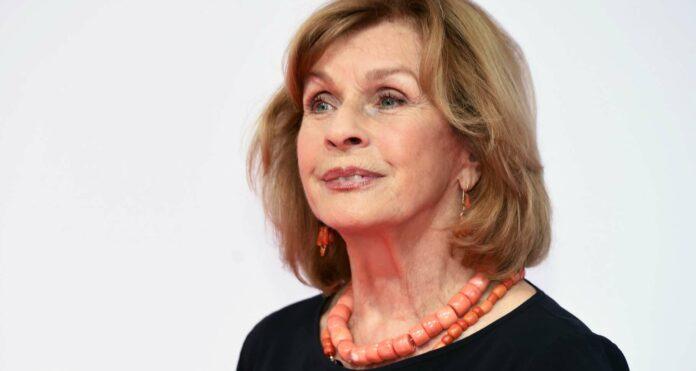 """In ihrer Karriere bekam Senta Berger u.a. den Lebenswerk-Preis der Diagonale (2011), zahlreiche Bambis, Grimme-Preise und Deutsche Fernsehpreise sowie die Platin-""""Romy"""" für ihr Lebenswerk."""