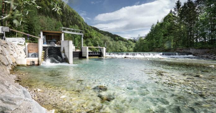 Fishcon bietet mit einer innovativen Zwei-Kammern-Fischschleuse eine Lösung für die Wasserdurchgängigkeit.