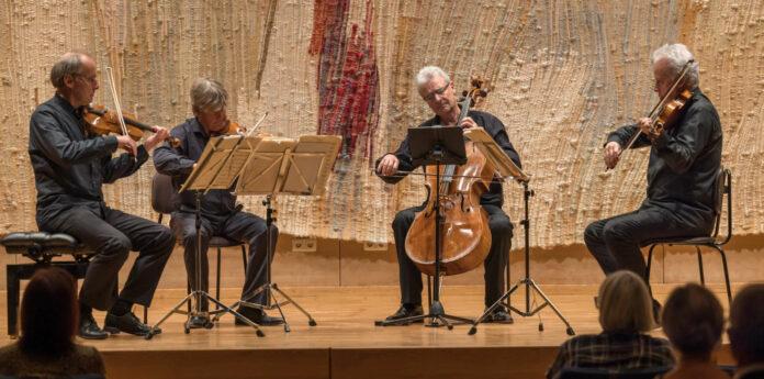 Bot zum Abschied im Linzer Brucknerhaus einen Abend mit exquisitem Programm: das legendäre Auryn-Quartett.