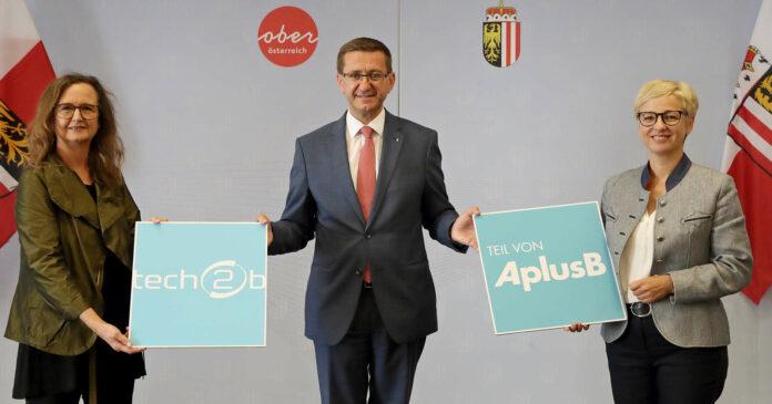 Edeltraud Stiftinger, Geschäftsführerin aws, Markus Achleitner und Doris Hummer (v.l.).