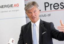 """Energie-AG-Generaldirektor Werner Steinecker freute sich über ein """"außerordentlich"""" gutes Geschäftshalbjahr."""