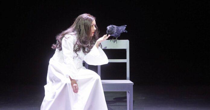 Ihr Gesang bringt Licht in die Dunkel der Inszenierung: Anna Netrebko ist nun endlich als Lady Macbeth in Wien zu erleben.